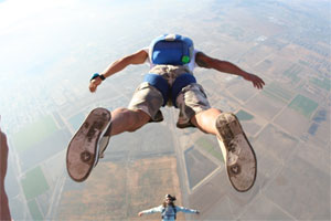 adventurous things to do in la: sky diving