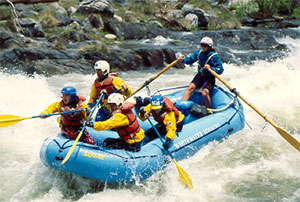 adventurous summer near la: white water rafting in kern river